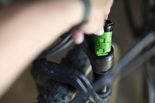 How A Volume Spacer Changes Your Mountain Bike Suspension - Singletracks Mountain Bike News