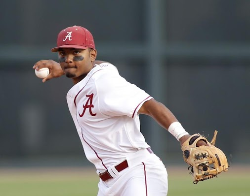 Alabama #baseball team set to begin season with new coach, new energy  TUSCALOOSA — For the second time...