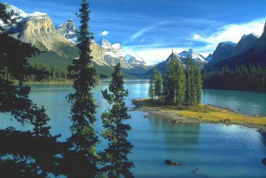 Spirit Island: a beauty in the Canadian Rockies