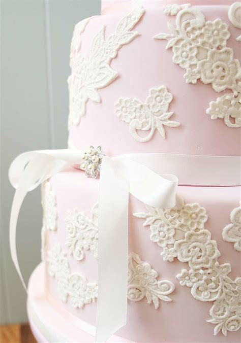 Wedding cake trends for 2017   Love Our Wedding