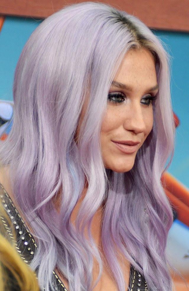 Haarfarbe Lila