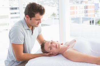 Explore the Pros and Cons of Massage Therapy