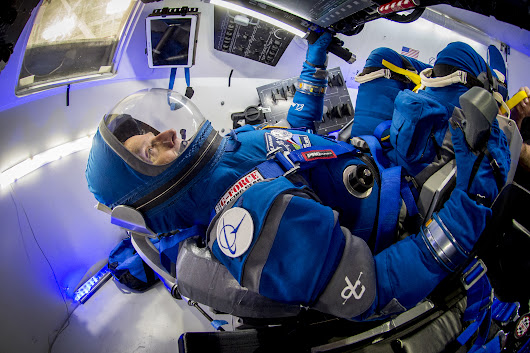 Boeing Unveils New Spacesuits for Starliner Astronaut Taxi (Photos)