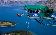 The Ledge Bungy, with views over Queenstown