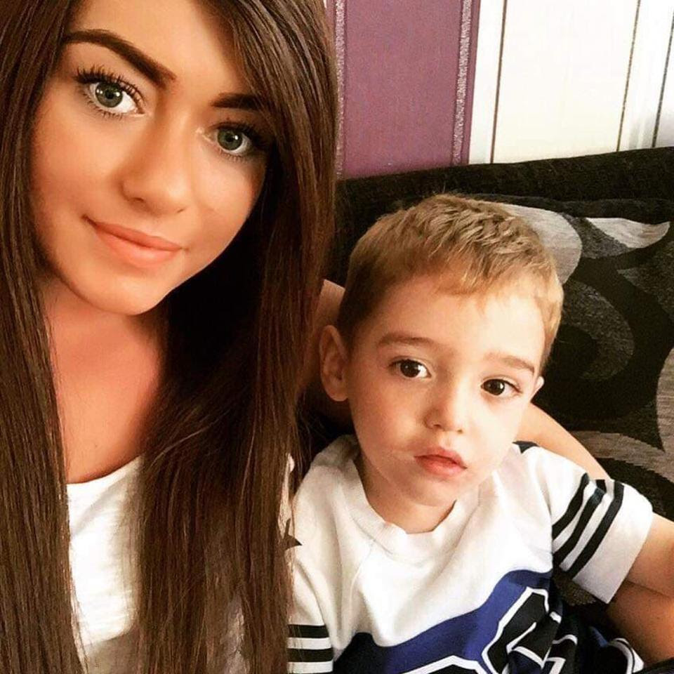 Single Mom Is Forced To Tell Her Son She Is Dying After Battling Aggressive Cancer - Goodfullness