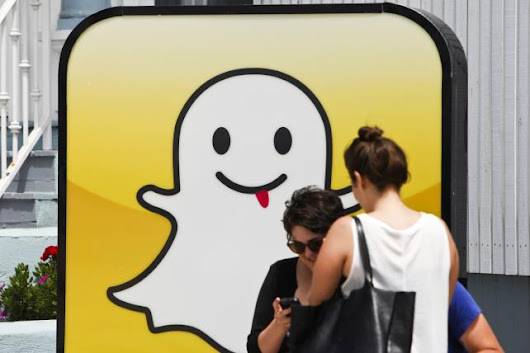 How Snapchat Can Help Retailers Kill 'Showrooming'