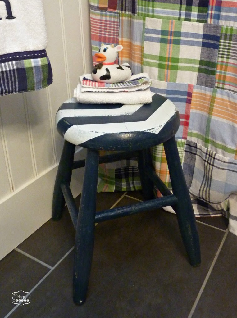 DIY Arrow Striped Stool Revamp by thehappyhousie