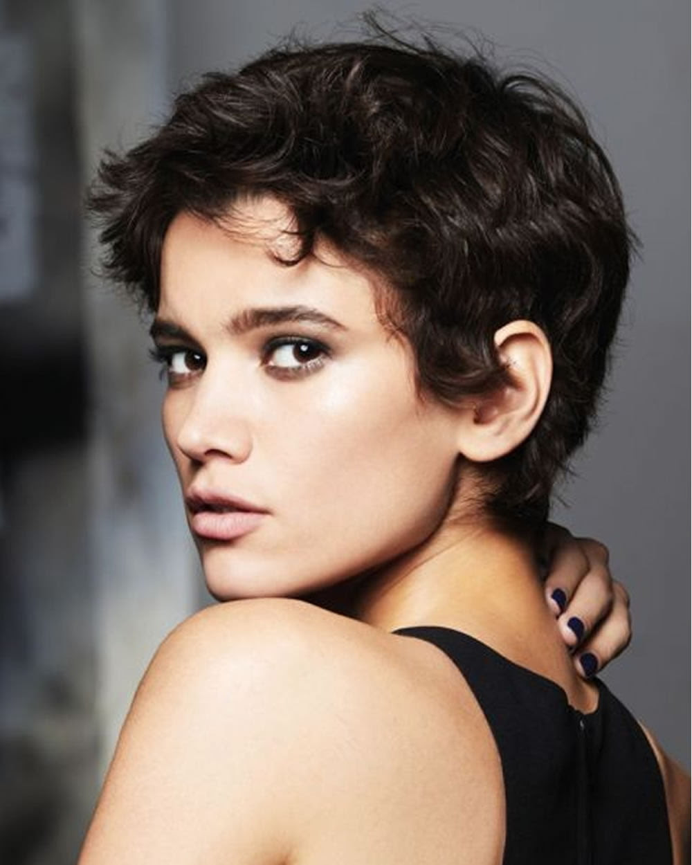 Pixie Haircuts For Women With Round Faces 49