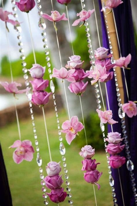 Curtains made of beads and artificial flowers   cute idea