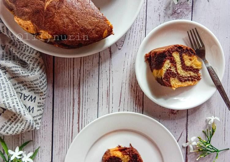 resep kek marbel coklat foody bloggers Resepi Kek Lapis Oren Coklat Enak dan Mudah