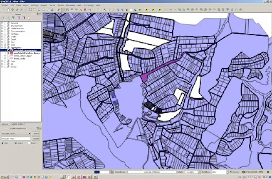 Qgis – Correcting overlapping features and invalid geometry
