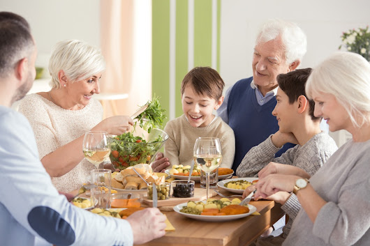 4 Signs that Your Parents May Need the Support of a Senior Living Community