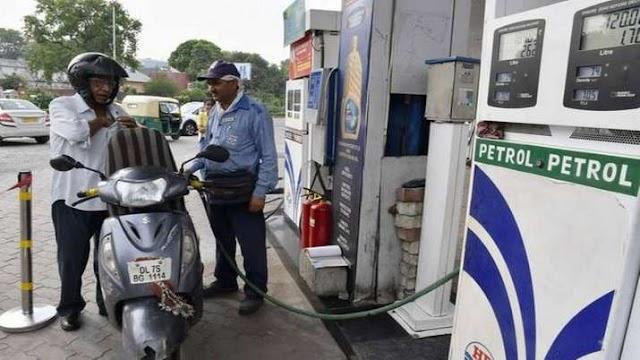 Lockdown के बाद पहली बार सितंबर के 15 दिनों में बढ़ी पेट्रोल की बिक्री, डीजल की मांग बनी हुुुई है कमजोर