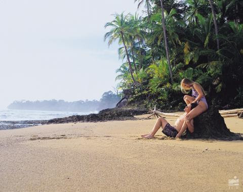 What's the best time to visit Costa Rica | Transportation in Costa Rica