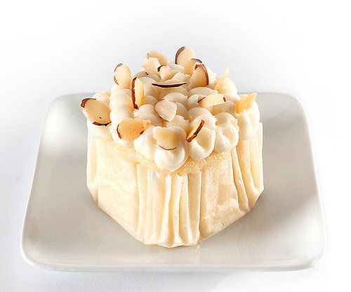 Almond Crème Infused Cupcake
