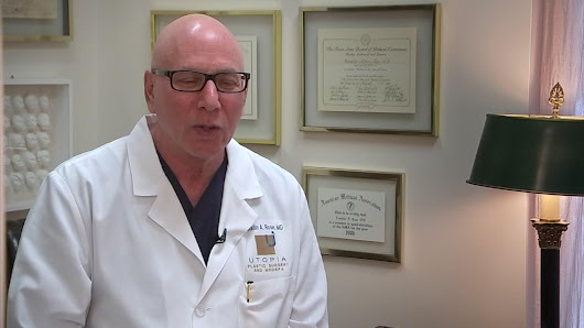 Famed Houston surgeon helps Bachelor contestants