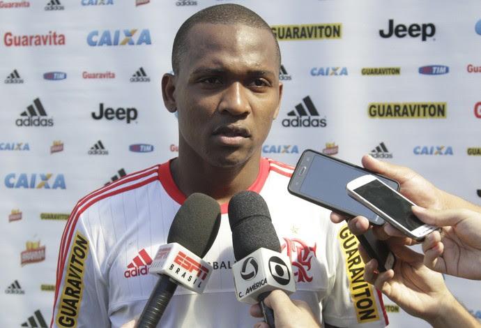 Samir é titular da zaga ao lado de Wallace (Foto: Gilvan de Souza / Flamengo)