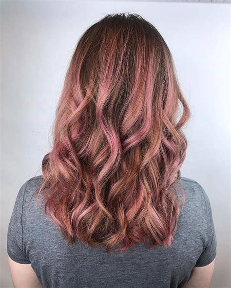 bold  subtle ways  wear pastel pink hair