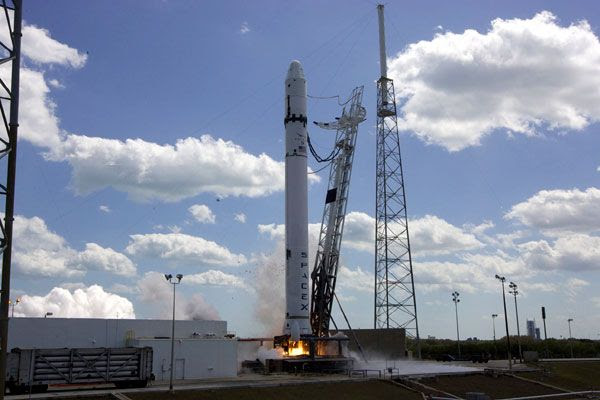 All 9 Merlin engines ignite on the FALCON 9 rocket during a hotfire test at Cape Canaveral Air Force Station in Florida, on March 13, 2010.