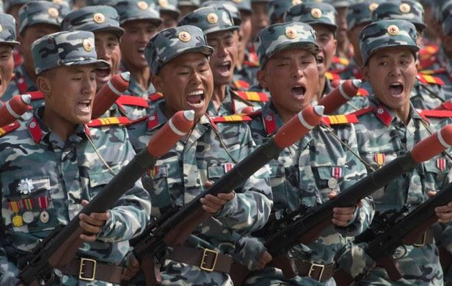 Chuyên gia Mỹ phát hiện một loạt đồ giả trong cuộc duyệt binh Triều Tiên - Ảnh 4.