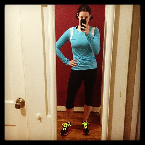 Rocking all my new running gear today. Top and capris by Ellie. Shoes by Saucony. #findyourstrong #virrata #loveellie