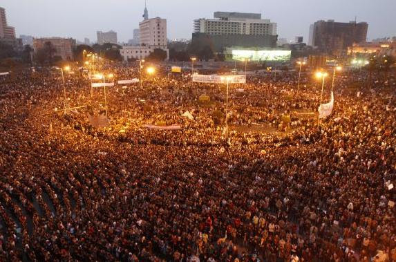 manifestants-place-Tahrir-Egypte
