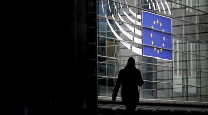 Евродепутат заявил об обеспокоенности ситуацией со свободой слова в Twitter и Facebook