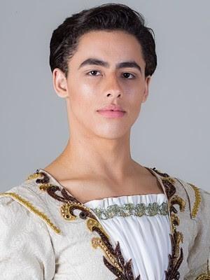 Gabriel foi um dos 19 formandos no Ballet Bolshoi de Joinville (Foto: Gabriel Lopes/ arquivo pessoal)