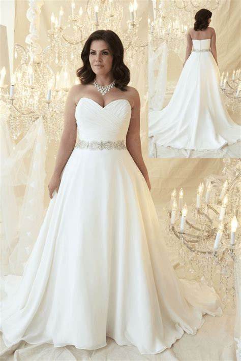 40 Stylish Wedding Dresses for Plus Size Women 2019   Plus