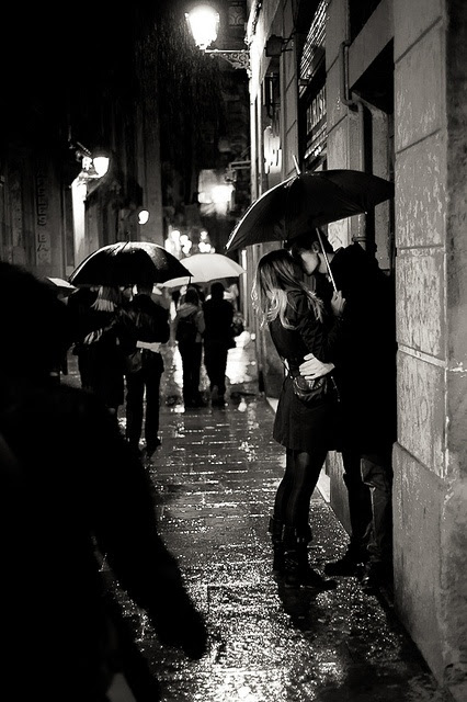 Lovers in the rain by Albert Ian