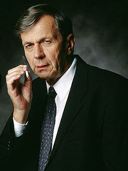 http://upload.wikimedia.org/wikipedia/en/3/34/The_Smoking_Man_(X-Files).jpg