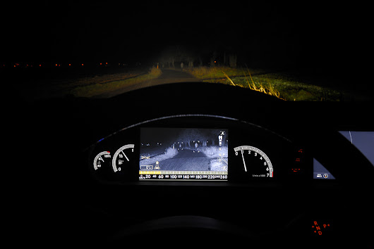 Night vision sistemi u automobilskoj industriji