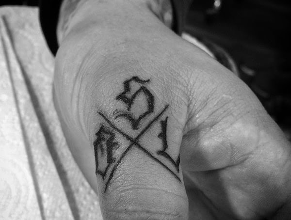 How Fast Do Finger Tattoos Fade Fading Ink