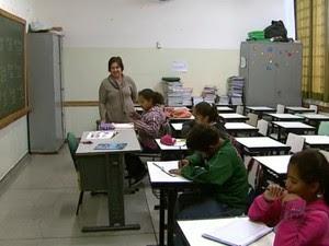 No primeiro dia de aula após as férias, poucos alunos compareceram às aulas em Boa Esperança do Sul, SP (Foto: Reprodução/EPTV)
