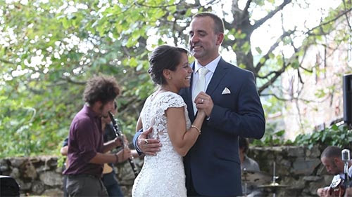 Tuscany wedding videographer at Fattoria Tregole Castellina in Chianti, Siena. Wedding videography in Tuscany, italy