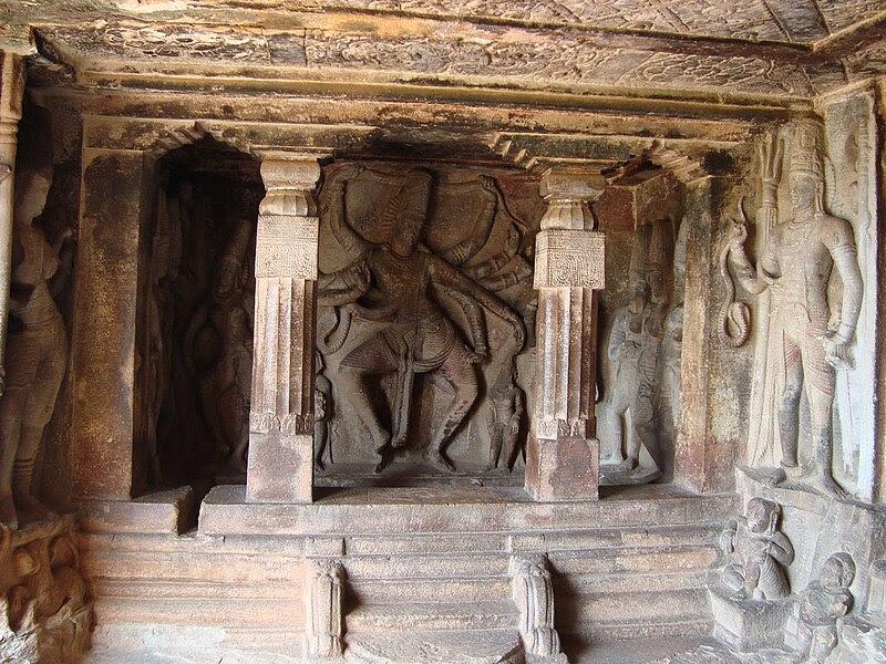 File:Ravana Phadi cave (inside view) at Aihole.jpg