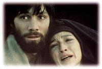 María es la primera partícipe de todo el sacrificio