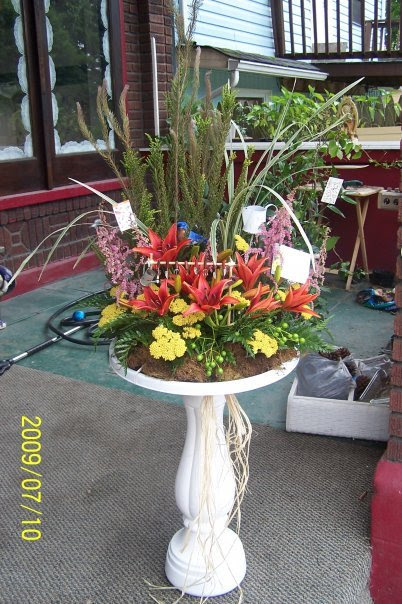 Creative Custom Funeral Flower Trends