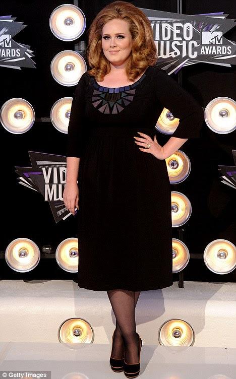 Olhos sobre o prêmio: Adele espera fazer uma recuperação completa antes Grammy Awards de fevereiro