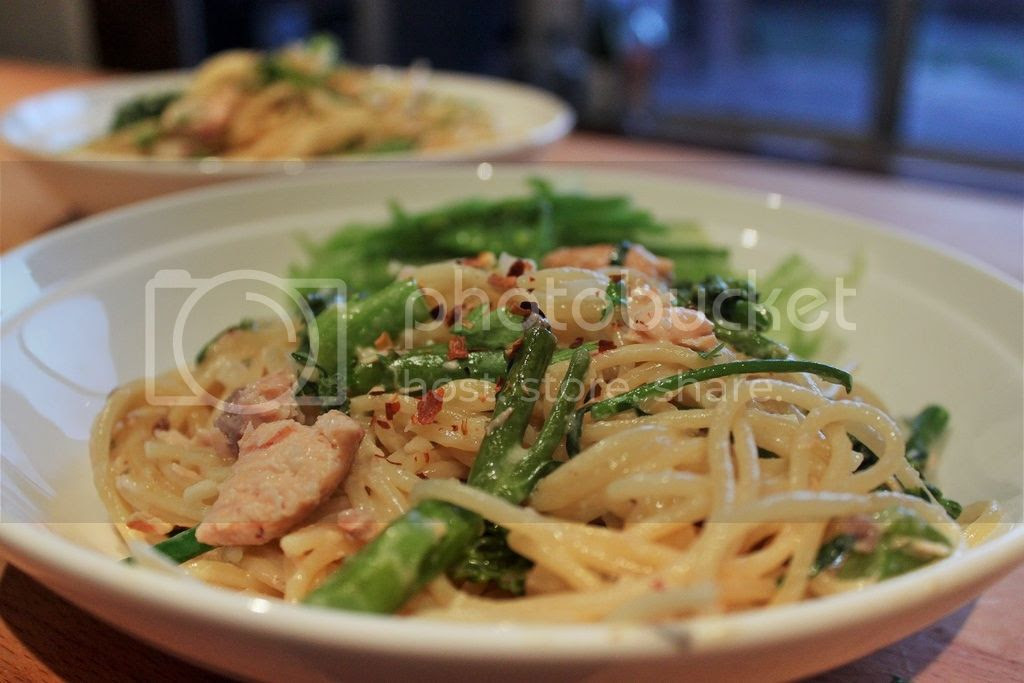 Quick amd Good Friday Seafood - Smoked Salmon and Broccolini One-Pot Spaghetti