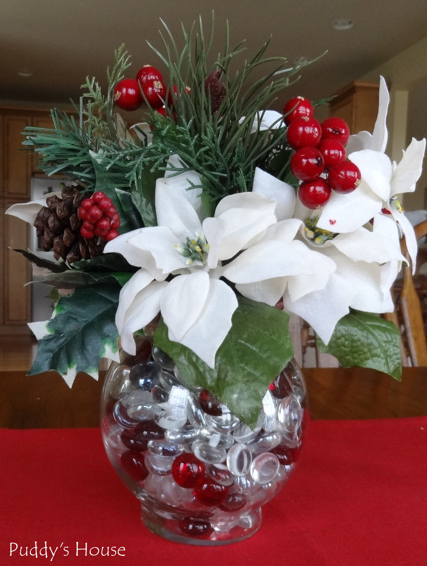 DIY Christmas Decorations – Poinsettia Centerpiece – Puddy39;s House