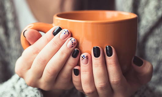 6 Hottest nail polish trends for this festive season