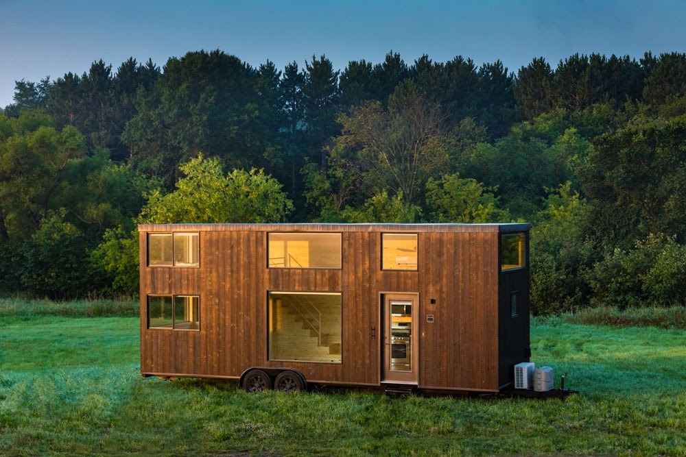 One Xl Tiny House Lets You Escape In Style Tiny House Hq