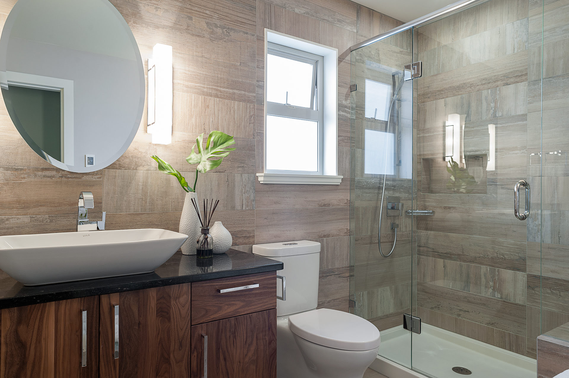 Small Bathroom Renovation Loaded With Style | Modern Home ...