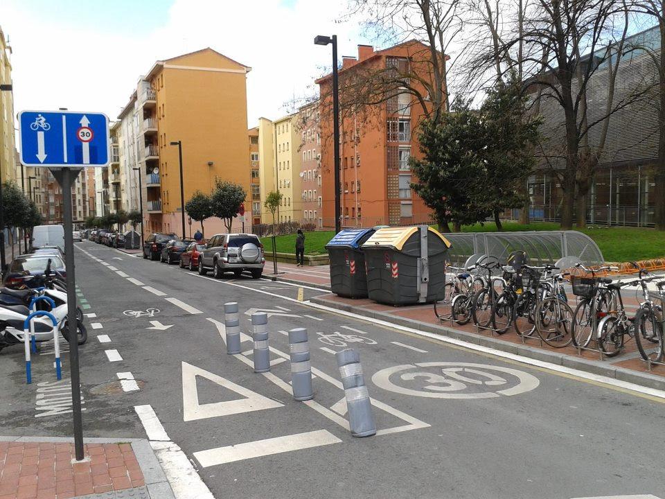 Carril de sentido reservado a ciclistas
