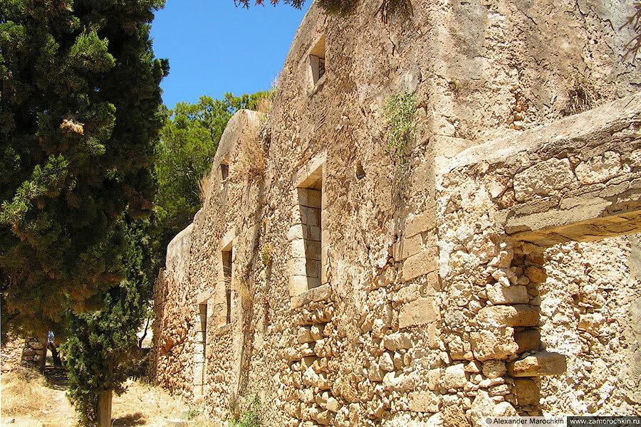 Старое здание в крепости Фортецца в Ретимно