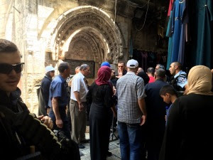Controlli della polizia israeliana nella Città Vecchia di Gerusalemme (Foto: Michele Giorgio/Nena News)
