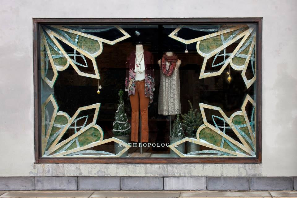 best-window-displays_anthropologie_2013_christmas_10