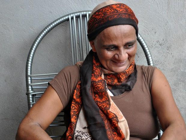Jucineide Morais sorri ao comentar as vitórias conquistadas após a cirurgia (Foto: Desireé Galvão/ Site)