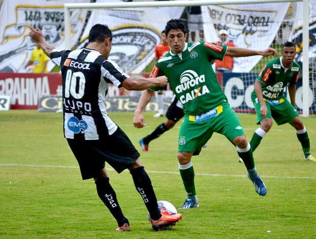 lance de ABC e Chapecoense série B (Foto: Frankie Marcone / Agência Estado)